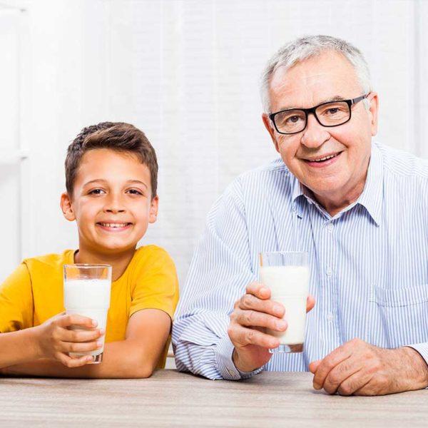 هل يزيد شرب الحليب من إنتاج البلغم؟