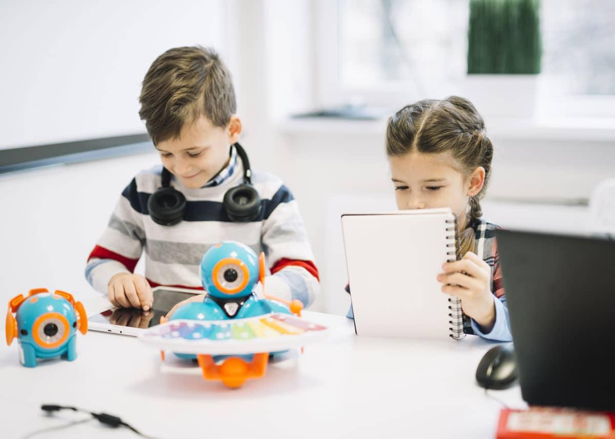 أساليب التعامل مع ازدياد استخدام الأطفال للأجهزة الذكية