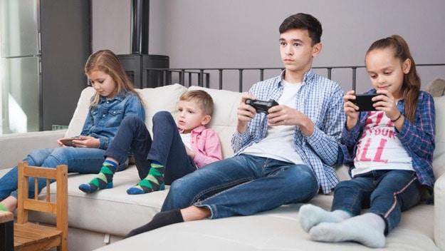 الأثر الاجتماعي للأجهزة الذكية على الأطفال